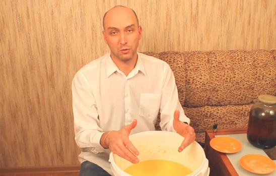 Видео Русская Дымка — Готовим бурбон: зерновая брага для ленивых в стиле Рембо