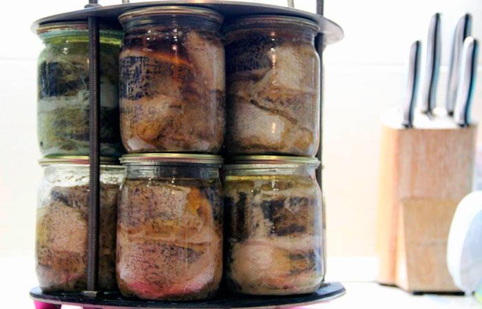 Рыба в автоклаве: 2 быстрых рецепта вкусных домашних консервов