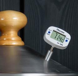 Электронный термометр на коптильне Hanhi 20 л