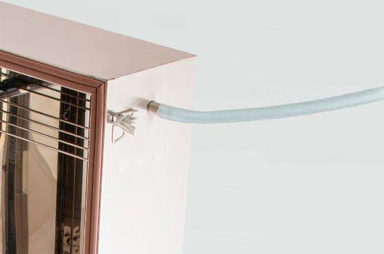 Шаг 3: соединяем дымогенератор с коптильным шкафом